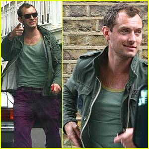 Jude Law is Proud of His Purple Pants