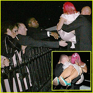 Lily Allen: Too Drunk to Walk?