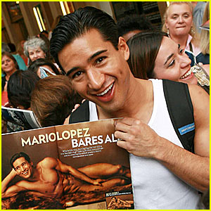 Mario Lopez Holds Up Nude Self