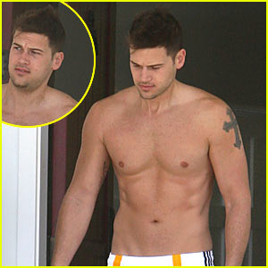 Nick Zano is Shirtless