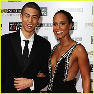 Alicia Keys: Meet My Brother, Cole!