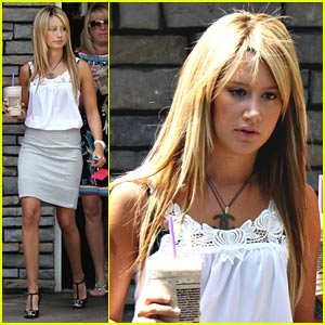 Ashley Tisdale is a Professional Playa