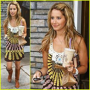 Ashley Tisdale: SHARK!!!!!!!!!!!!!!!!!!!