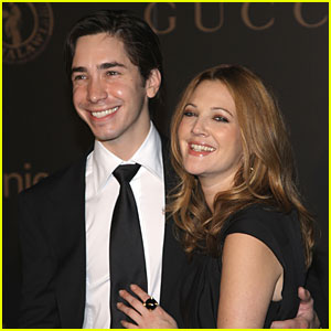 Drew Barrymore & Justin Long Split