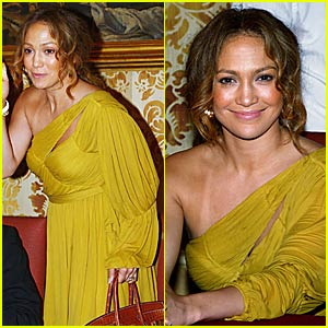 Jennifer Lopez is Palazzo Pretty