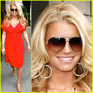 Jessica Simpson Has Macy's Magic