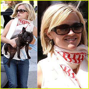 Reese Witherspoon Looks Legally Blonde