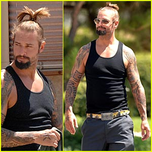 Josh Holloway is a Ponytail Pimp