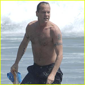 Kiefer Sutherland is Shirtless