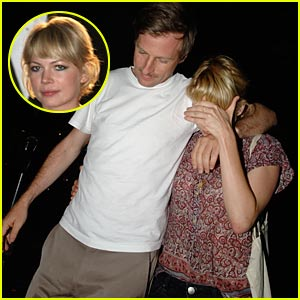 Michelle Williams & Spike Jonze Step Out