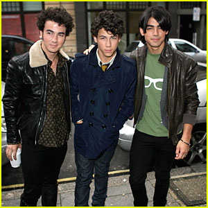 The Jonas Brothers are Number 1!