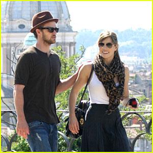 Justin & Jessica Get Very Villa