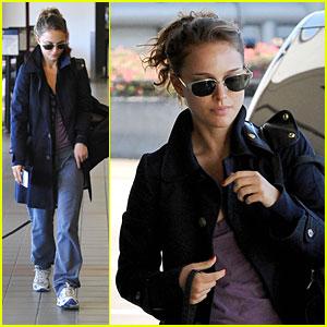 Natalie Portman Is Back On The Market