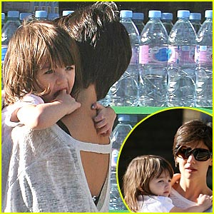 Suri Cruise: Walk This Way!