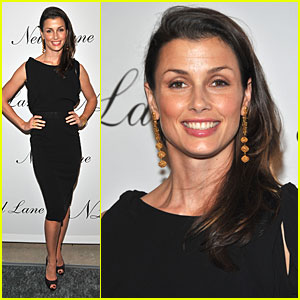Bridget Moynahan Jumps For Jewelry