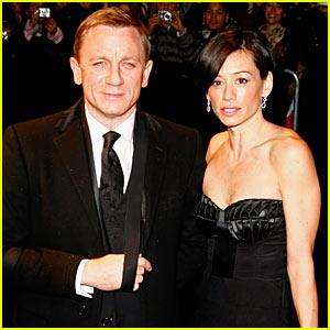 Daniel Craig Premieres 'Quantum' in Paris