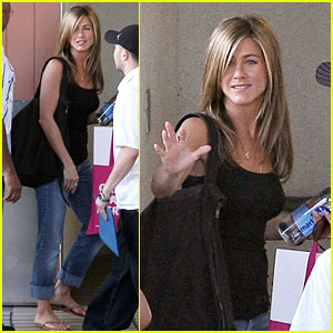 Jennifer Aniston Loves Elementary School