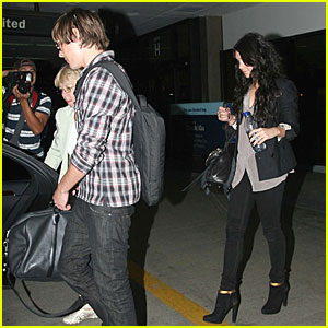 Zac Efron and Vanessa Hudgens Head Home
