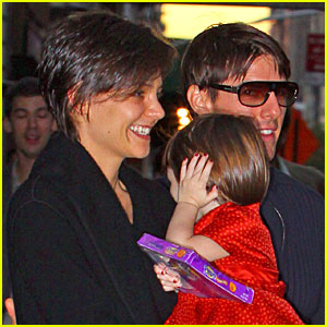 Suri Cruise Hides During Halloween