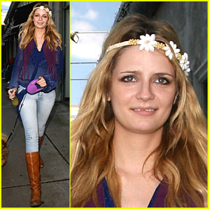 Mischa Barton is Hippie Happy