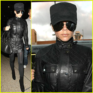 Victoria Beckham Is All Dressed In Black