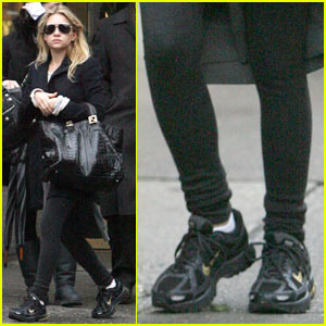 Ashley Olsen: Sexy in Sneakers