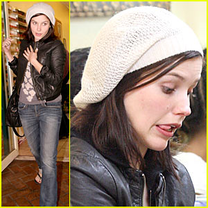 Sophia Bush: New Year's Eve Pampering!