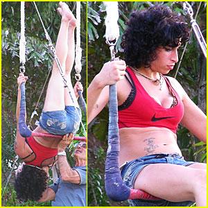 Amy Winehouse is a (Single?) Swinger Singer