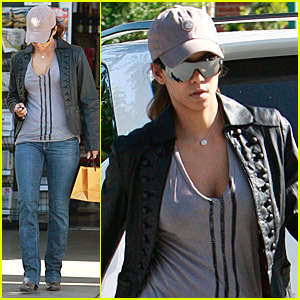 Halle Berry Goes Out For Groceries