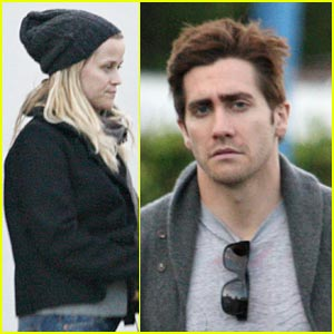 Jake Gyllenhaal Gets a Haircut!