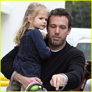 Violet Affleck: Big Sister Time!