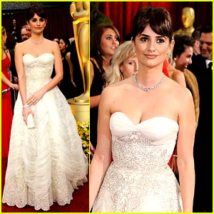 Penelope Cruz Wins Best Supporting Actress