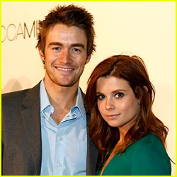 Robert Buckley & Joanna Garcia Couple Up