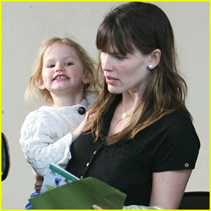 Violet Affleck Makes Mommy Merry