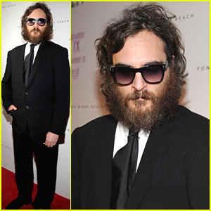 Joaquin Phoenix Gets Hostile With A Heckler