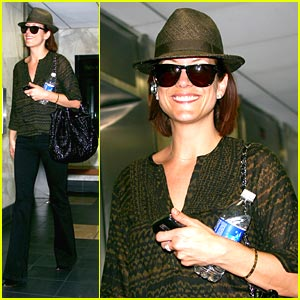Kate Walsh is Hat Happy