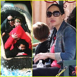 Nadya Suleman Is Nuts For Knotts Berry Farm