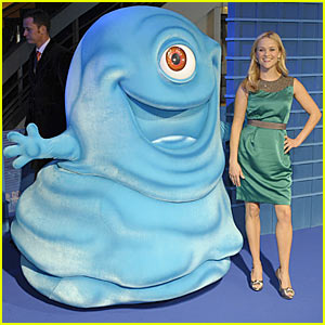 Reese Witherspoon: Monsters vs. Aliens -- Round 1!