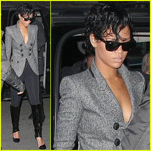 Rihanna Steps Out In New York City