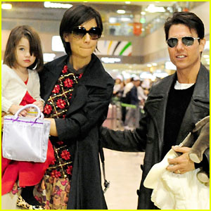 Tom Cruise &amp; Katie Holmes Tag Team Tokyo