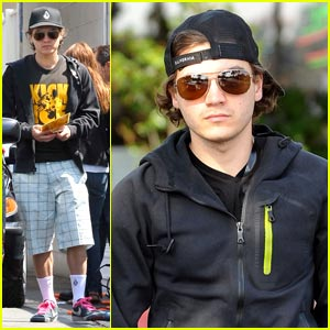 Emile Hirsch is Pink Lacey