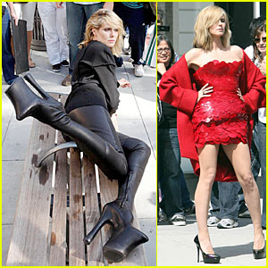 Heidi Klum: Foot-Long Platform Boots!
