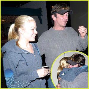 LeAnn Rimes Hugs It Out