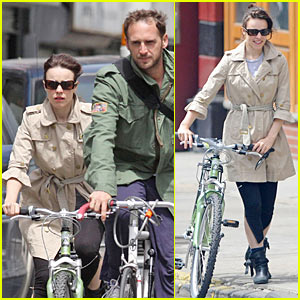 Rachel McAdams &#038; Josh Lucas: Bicycling Built For Two