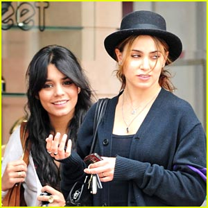 Vanessa Hudgens & Nikki Reed: Thirteen Thrifty!