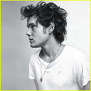 Anton Yelchin is Kyle Reese Ready