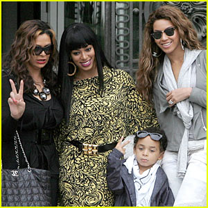 Beyonce & Sister Solange Take Paris