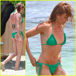 Cameron Diaz flaunts her bikini body as she frolicks in the tropical ...