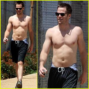 chris-pine-shirtless.jpg