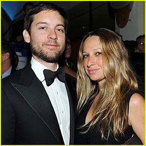 Tobey Maguire Welcomes Son